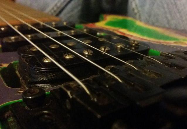 how to set up pickups for maximum tone guitarworld. Black Bedroom Furniture Sets. Home Design Ideas