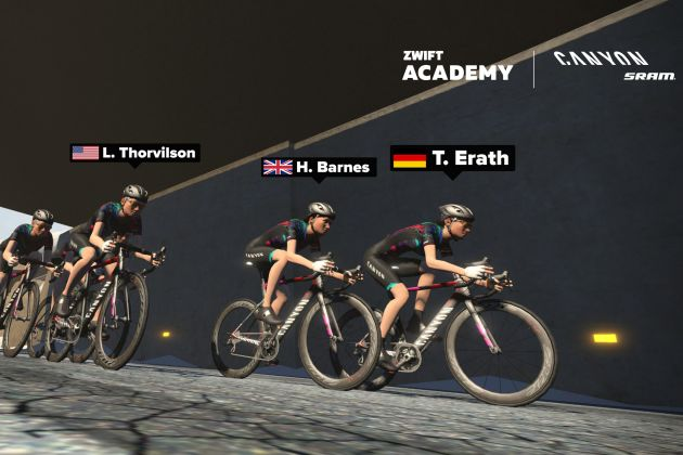 Zwift team rider beats pros in first women's Kiss Super League virtual race