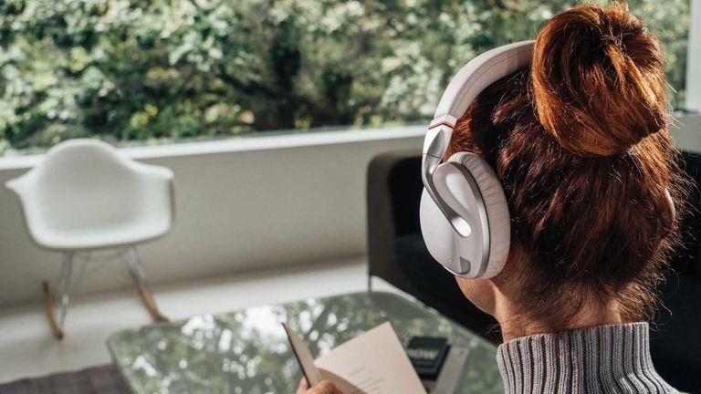 IRIS Flow wireless headphones