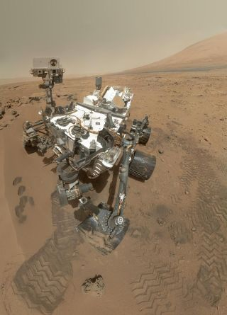 Curiosity rover selfie, mars mission