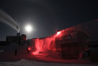 In Antarctica a supermoon lights up the South Pole.