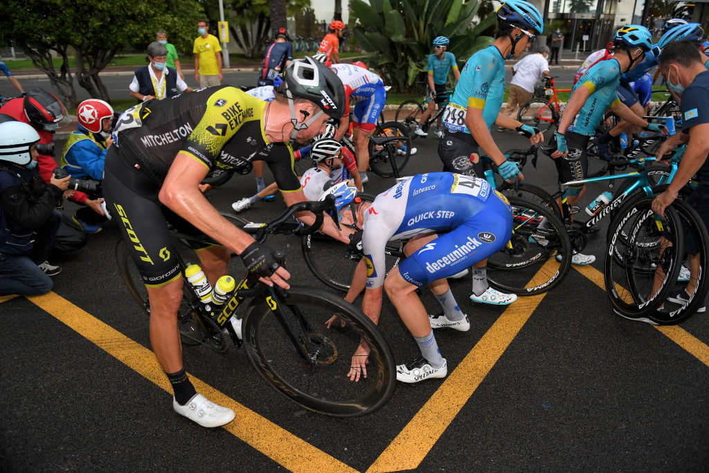 NICE FRANCE AUGUST 29 Sam Bewley of New Zealand and Team Mitchelton Scott Remi Cavagna of France and Team Deceuninck QuickStep Crash during the 107th Tour de France 2020 Stage 1 a 156km stage from Nice Moyen Pays to Nice TDF2020 LeTour on August 29 2020 in Nice France Photo by Tim de WaeleGetty Images