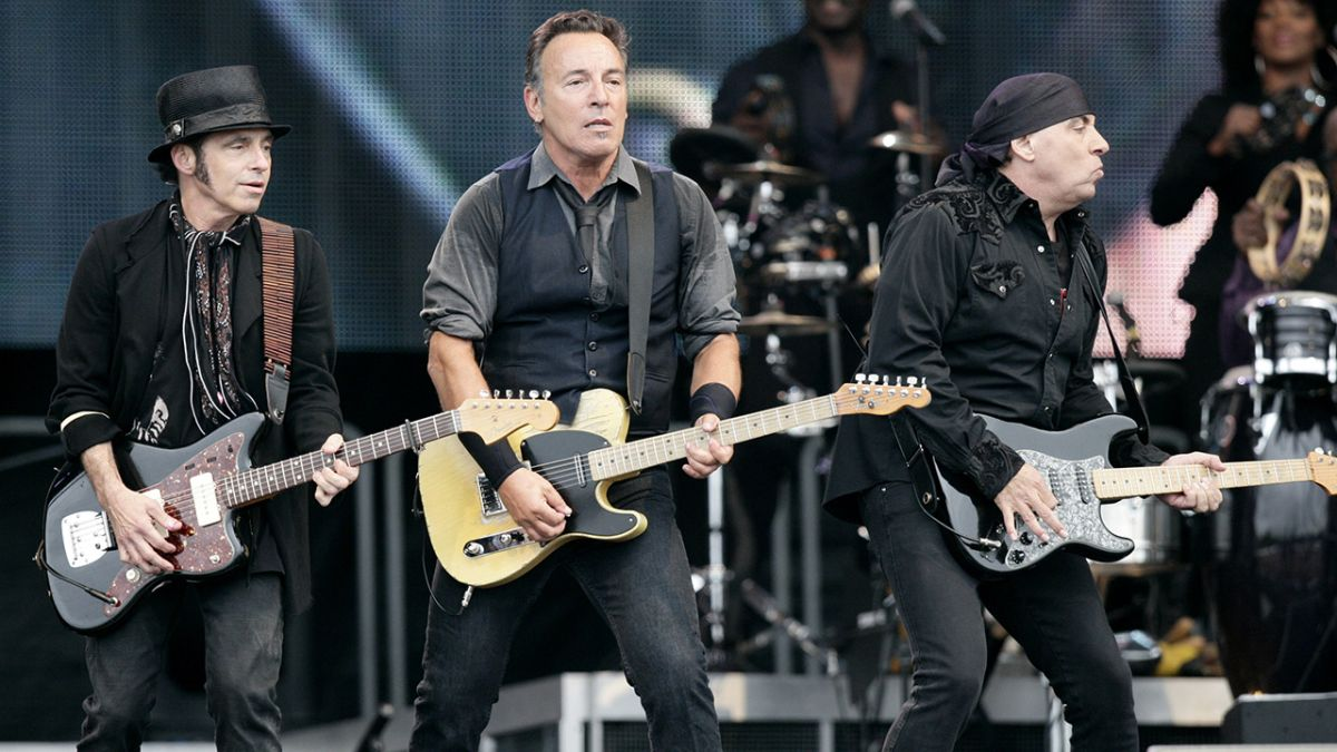 bruce springsteen says he ll record with the e street band this year and tour in 2020 louder. Black Bedroom Furniture Sets. Home Design Ideas