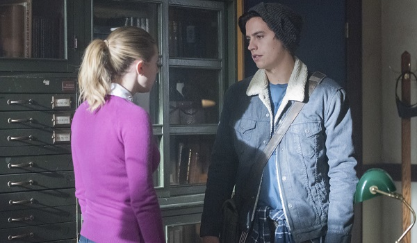 Betty and Jughead Lilli Reinhart Cole Sprouse Riverdale