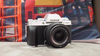 Fujifilm X-T200 deals
