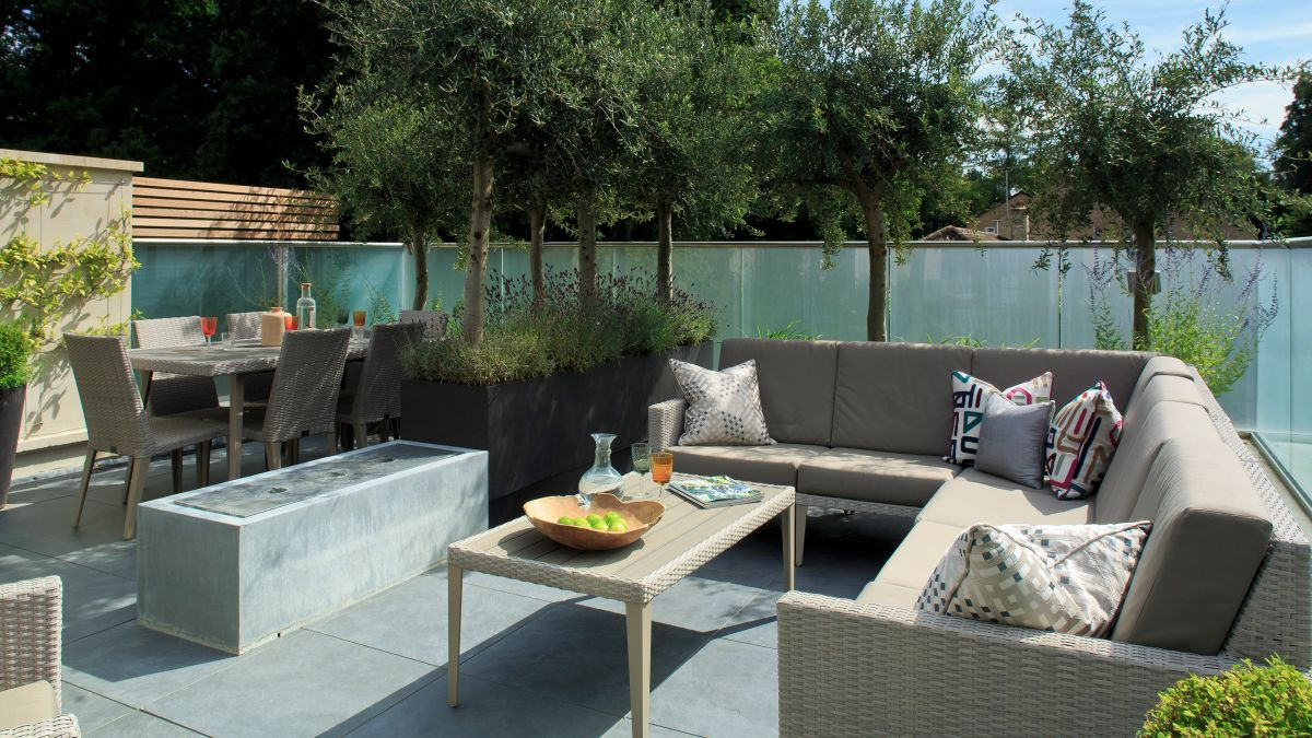 Garden divider ideas: 10 stylish ways to zone up your outdoor space