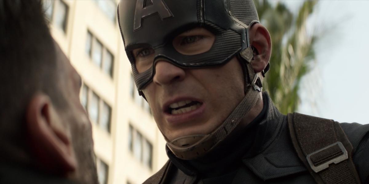 Крис Эванс поделился кадрами из фильма «Капитан Америка», а его невпечатленные друзья украли все шоу