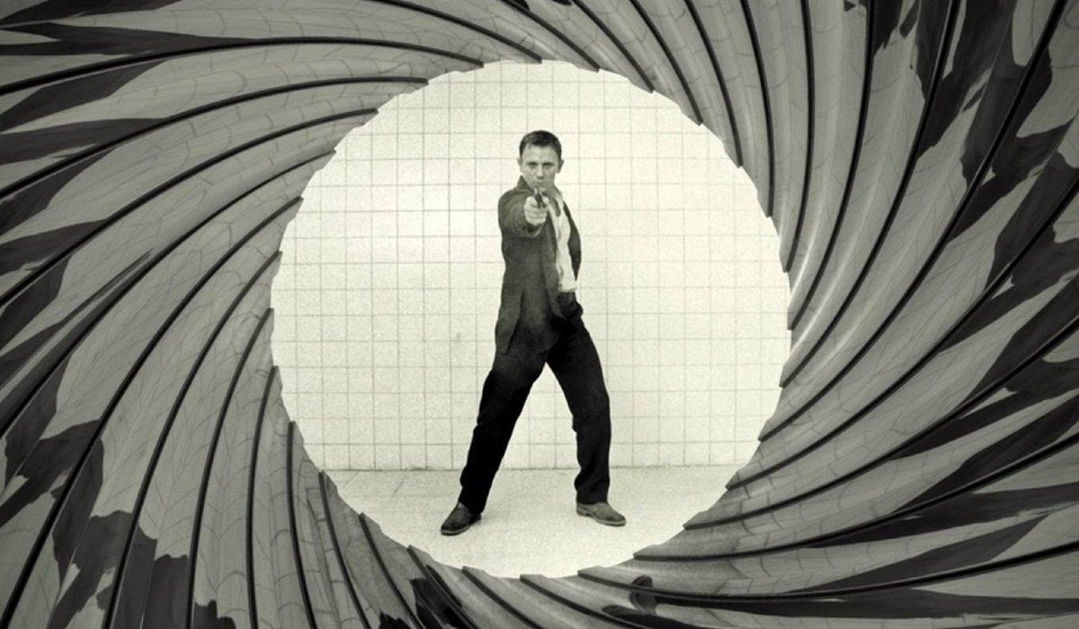 Casino Royale Bond's first gun barrel