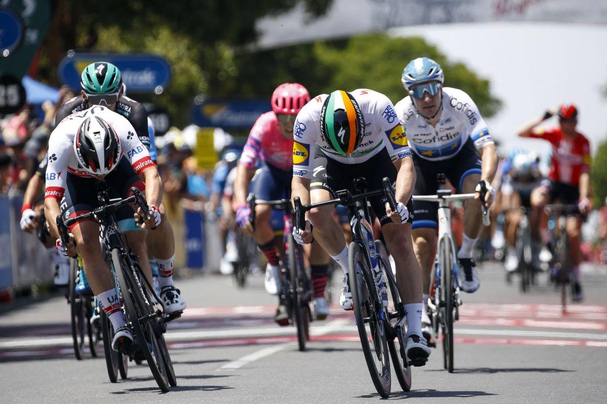 Viviani left in the scrum as Deceuninck-QuickStep dominate Tour Down Under sprint