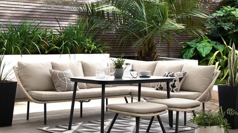 privacy fence ideas around next furniture on patio