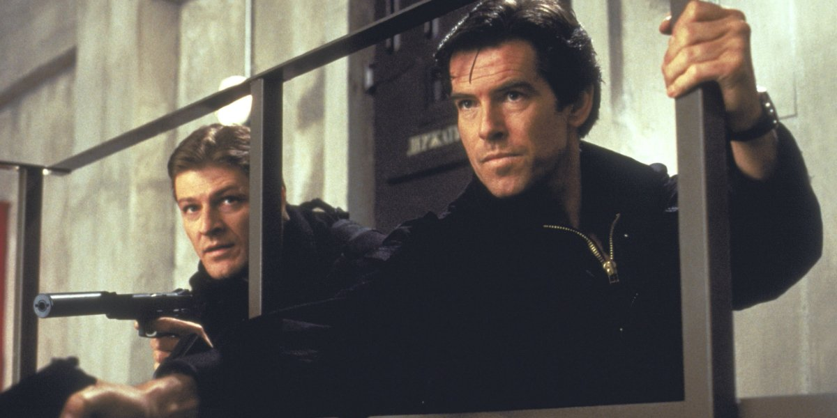 Goldeneye Sean Bean and Pierce Brosnan armed and on a mission