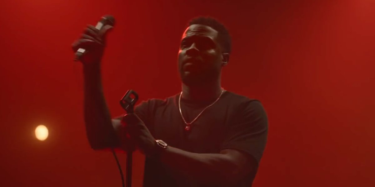 Kevin Hart in No F**ks Given