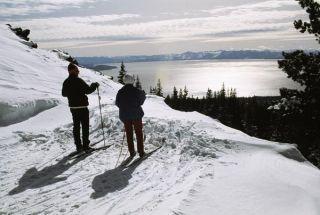 skiers-snow-100921-02