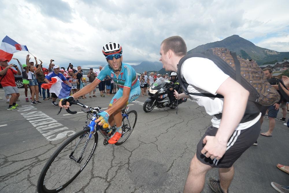 Thumbnail: Vincenzo Nibali at the 2015 Tour de France (Sunada).