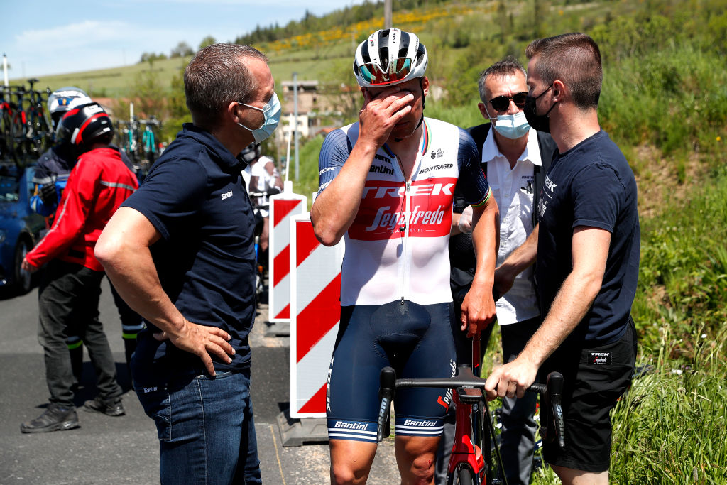 SAINT HAON LE VIEUXON FRANCE JUNE 01 Mads Pedersen of Denmark and Team Trek Segafredo involved in a crash abandon during the 73rd Critrium du Dauphin 2021 Stage 3 a 1722km stage from Langeac to Saint Haon Le Vieuxon Injury UCIworldtour Dauphin dauphine June 01 2021 in Saint Haon Le Vieuxon France Photo by Bas CzerwinskiGetty Images