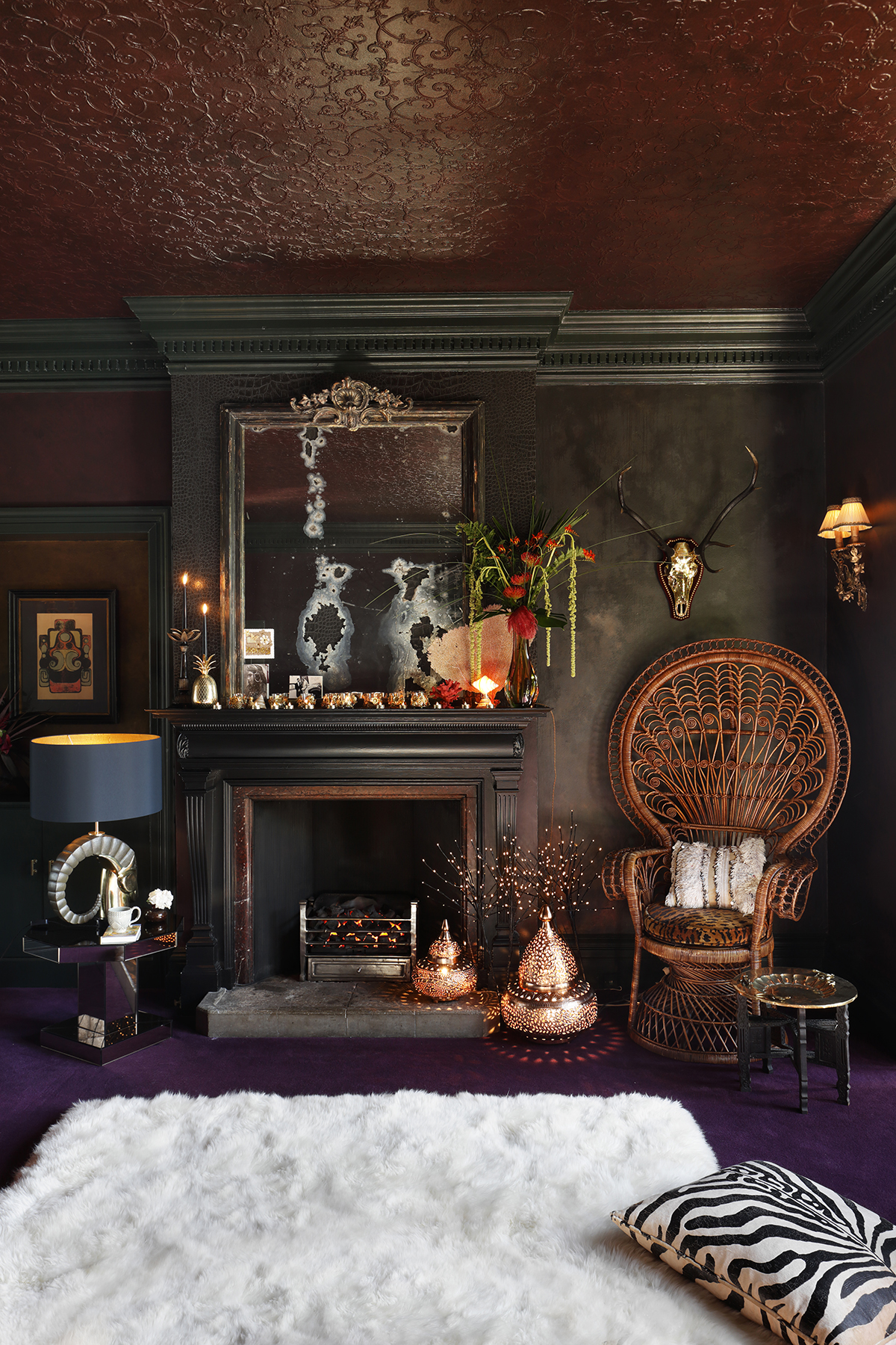 Inside A Glamorous And Dramatic Manor House Apartment In
