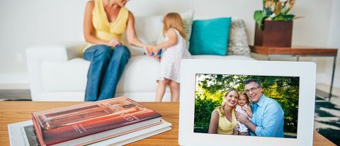 PhotoSpring 10 Digital Photo Frame review