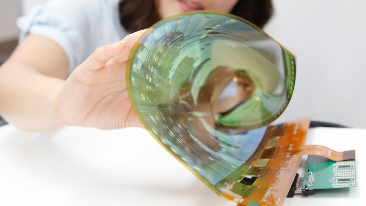 Forget the Motorola Razr and Samsung Galaxy Fold, LG is planning a ROLLABLE phone