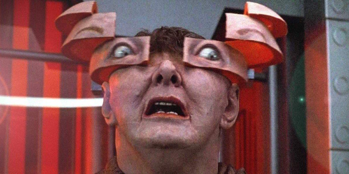 Arnie inside the head total recall
