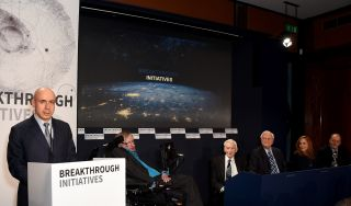 The announcement of the Breakthrough Listen and Breakthrough Message initiatives was made today (July 20) in London. Making the announcement were (left to right) Internet investor Yuri Milner, physicist Stephen Hawking, cosmologist and astrophysicist Mart