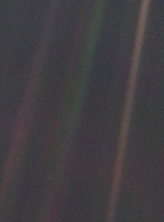 Happy Birthday, 'Pale Blue Dot!' Famous Space Photo Turns 25