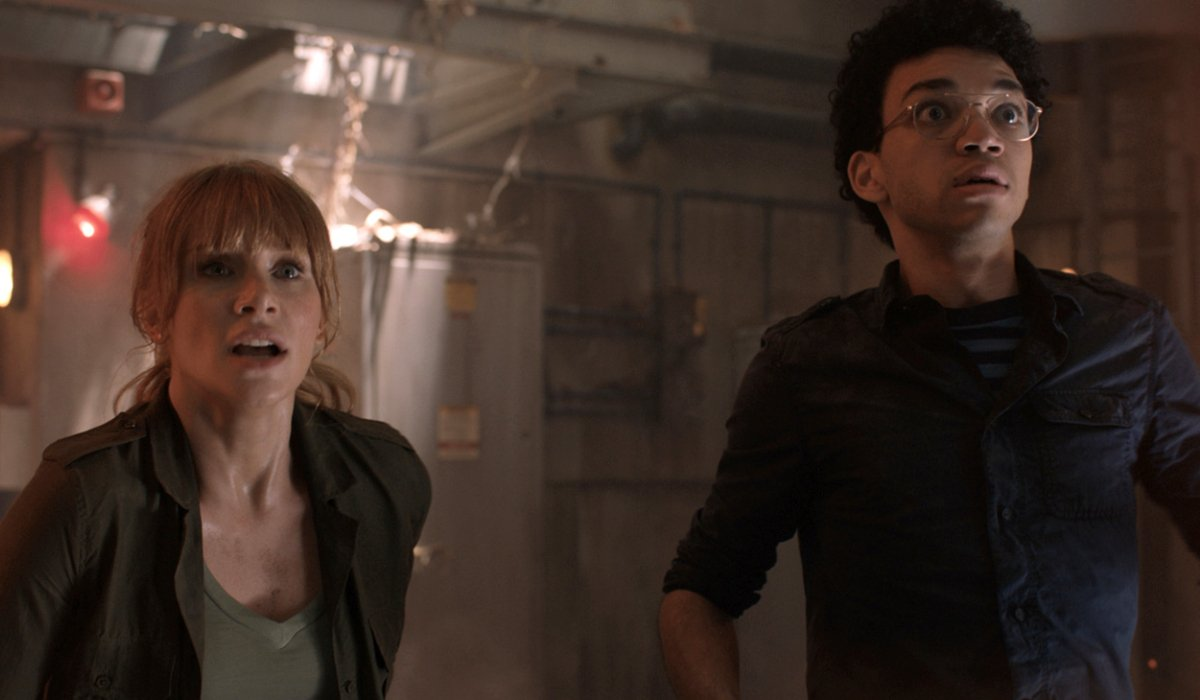 Jurassic World: Fallen Kingdom Claire and Franklin freak out as a dinosaur approaches