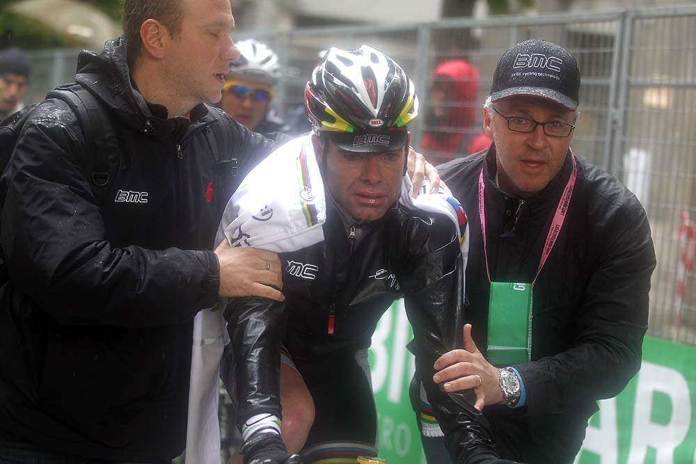Cadel Evans at finish, Giro d'Italia 2010, stage 11