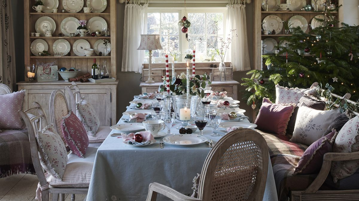Like a traditional Christmas? You'll love these festive decorating ideas