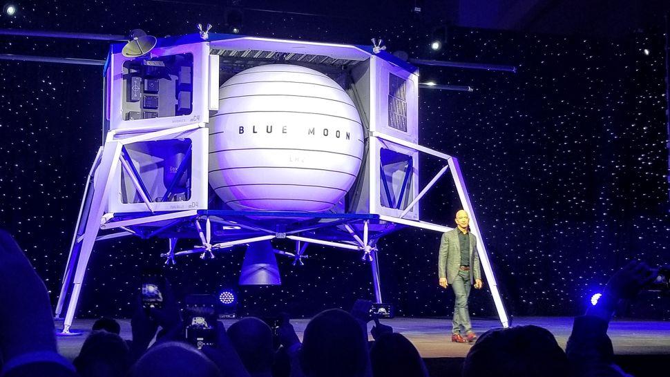 Společnost Blue Origin se chystá na Měsíc. Vyvine nový motor a přistávací modul Blue Moon