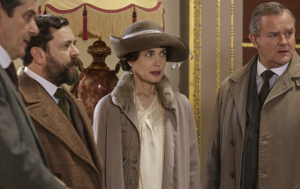 Robert and Cora, Lord and Lady Grantham, at the auction at Mallerton