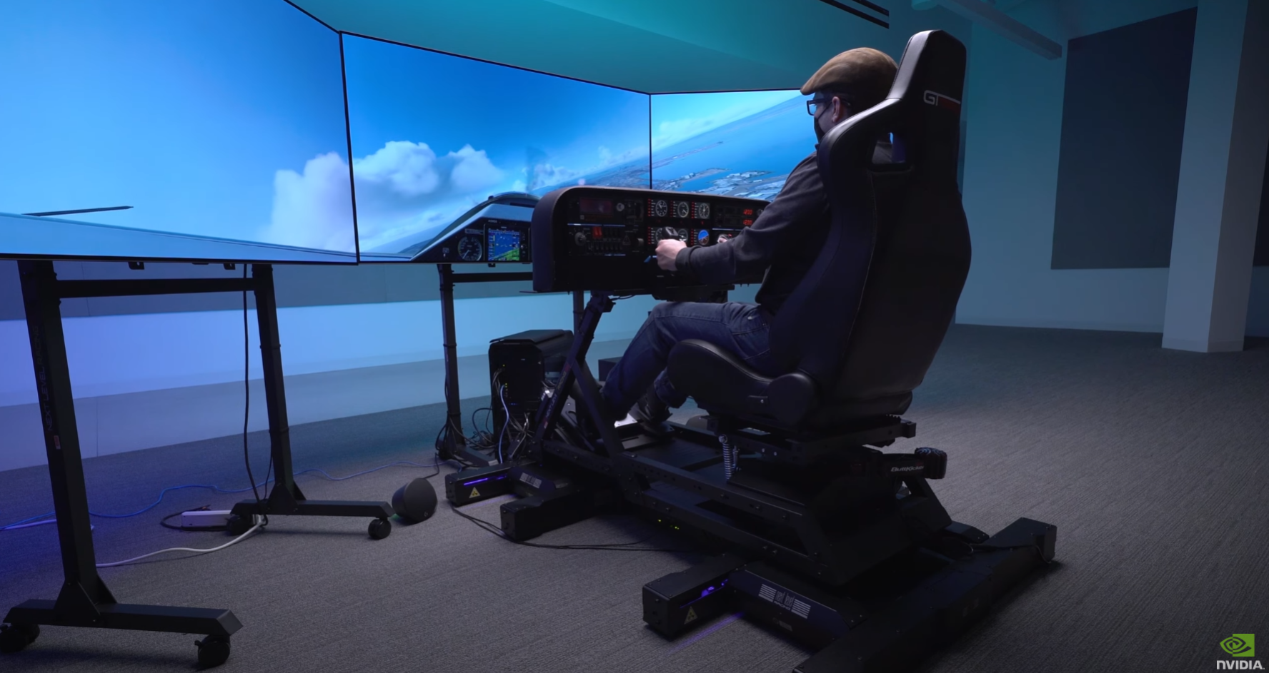 This $20,000 Microsoft Flight Simulator rig is more expensive than some real planes
