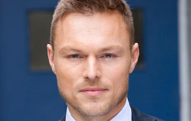 Andrew Hayden Smith plays DS ARMSTRONG