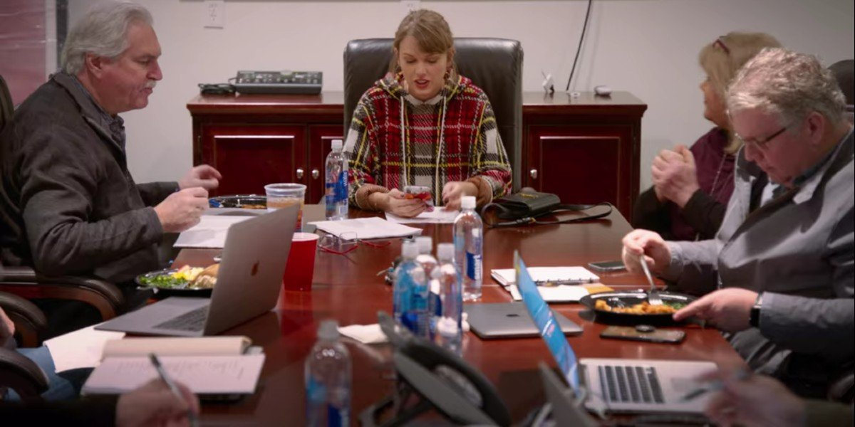 Taylor Swift in a meeting in Miss Americana