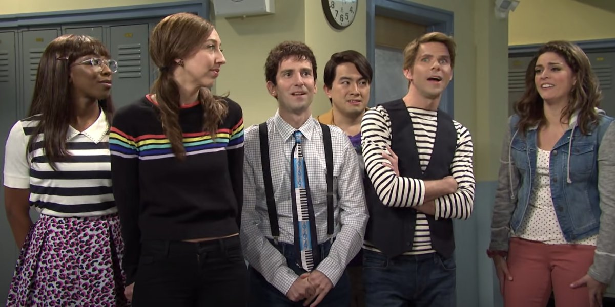 Bowen Yang and the Saturday Night Live cast