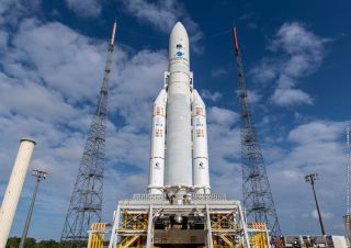 In Photos: Ariane 5 Rocket Launches Intelsat 39 and EDRS-C Communications Satellites