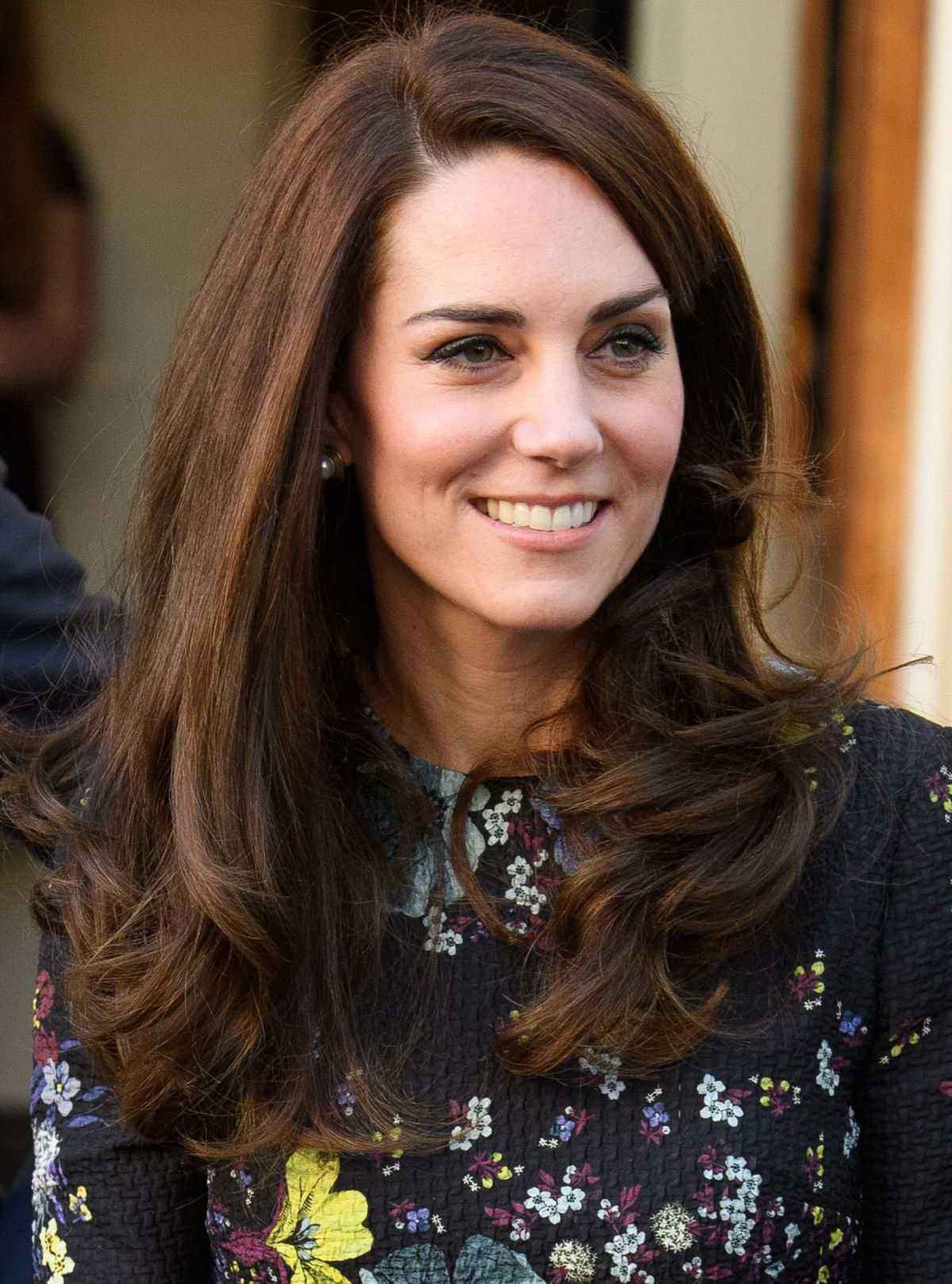 Kate Middleton S Hair How She Cares For It Styles It And Covers Greys Woman Home