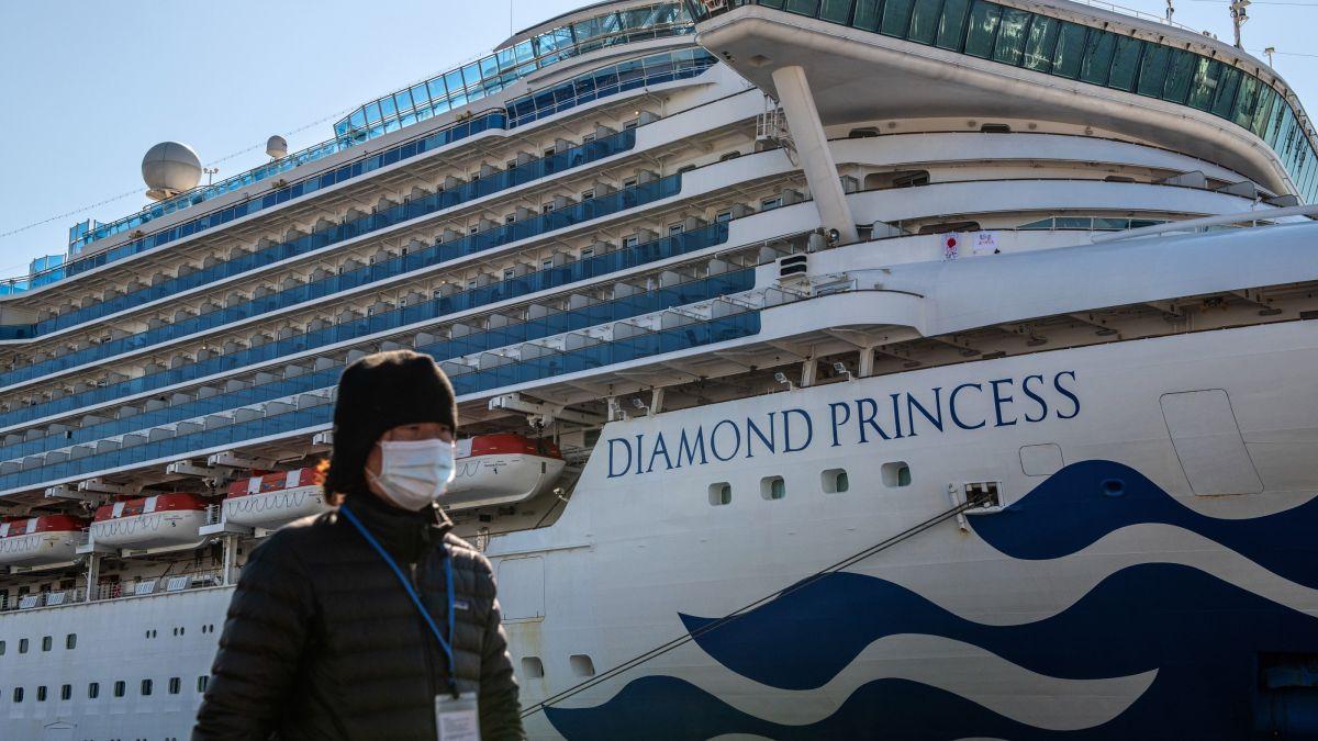 Coronavirus quarantine ends for some cruise ship passengers, sparking worries over virus spread