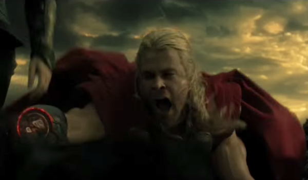 Chris Hemsworth Thor screaming in pain after losing arm