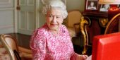 How Queen Elizabeth Felt When Princess Diana Died, According To A New Letter