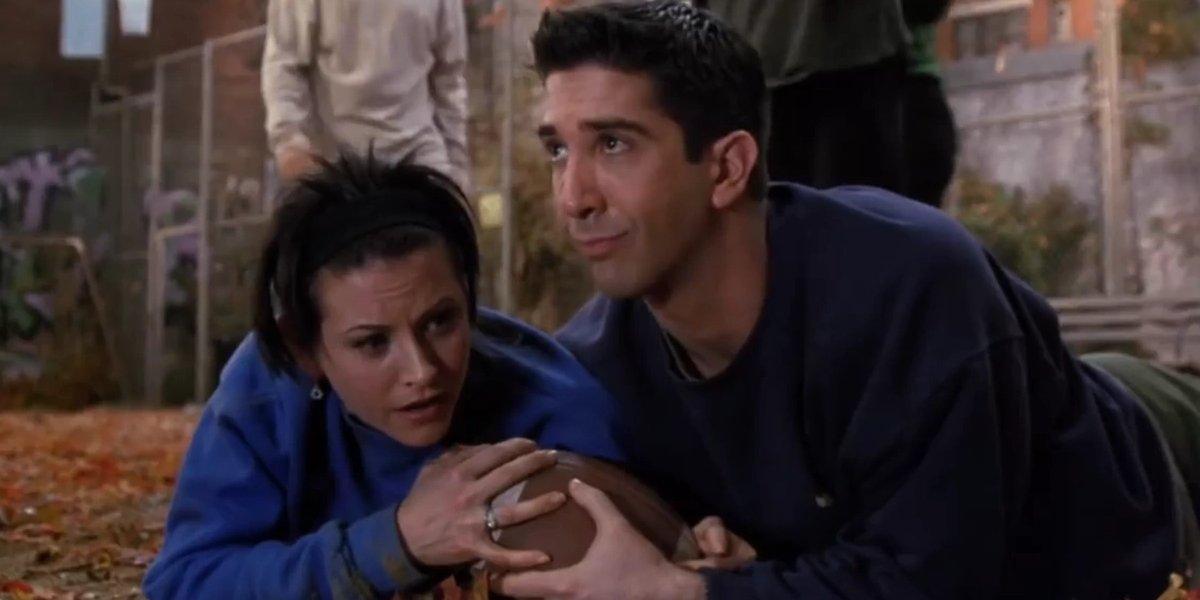 Courtney Cox and David Schwimmer on Friends
