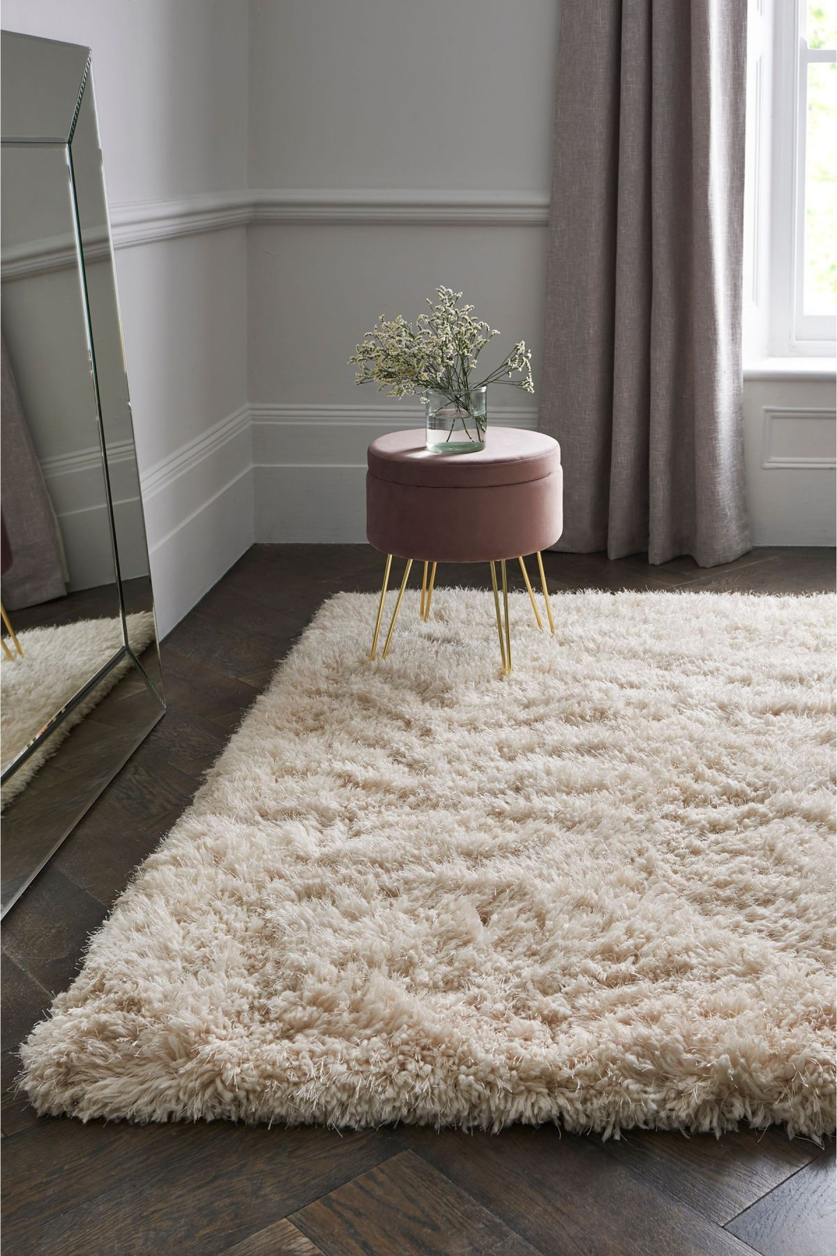 large rugs to give your rooms