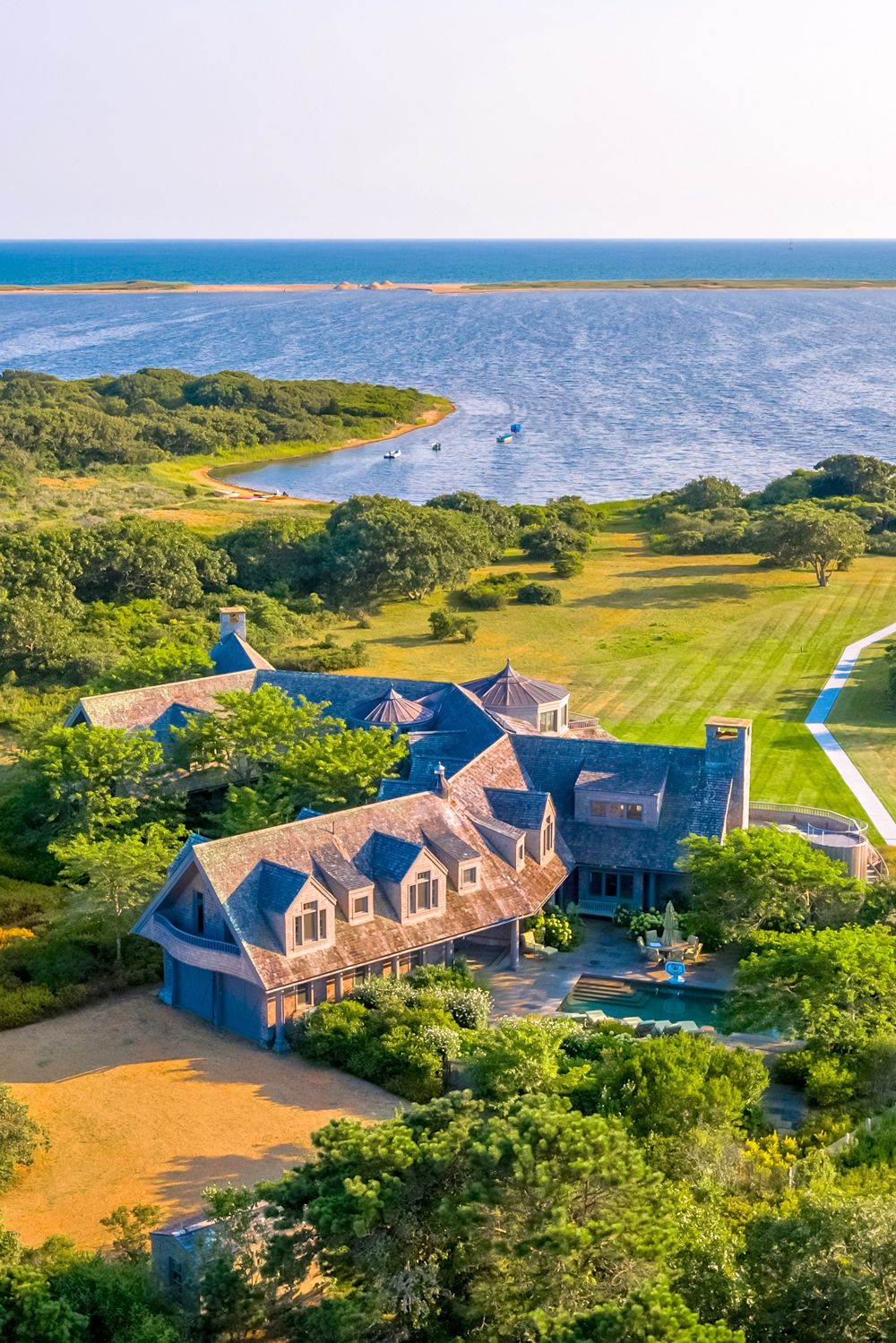 Take a peek inside these jaw-dropping celebrity homes