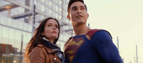 Bitsie Tulloch and Tyler Hoechlin as Lois and Superman.