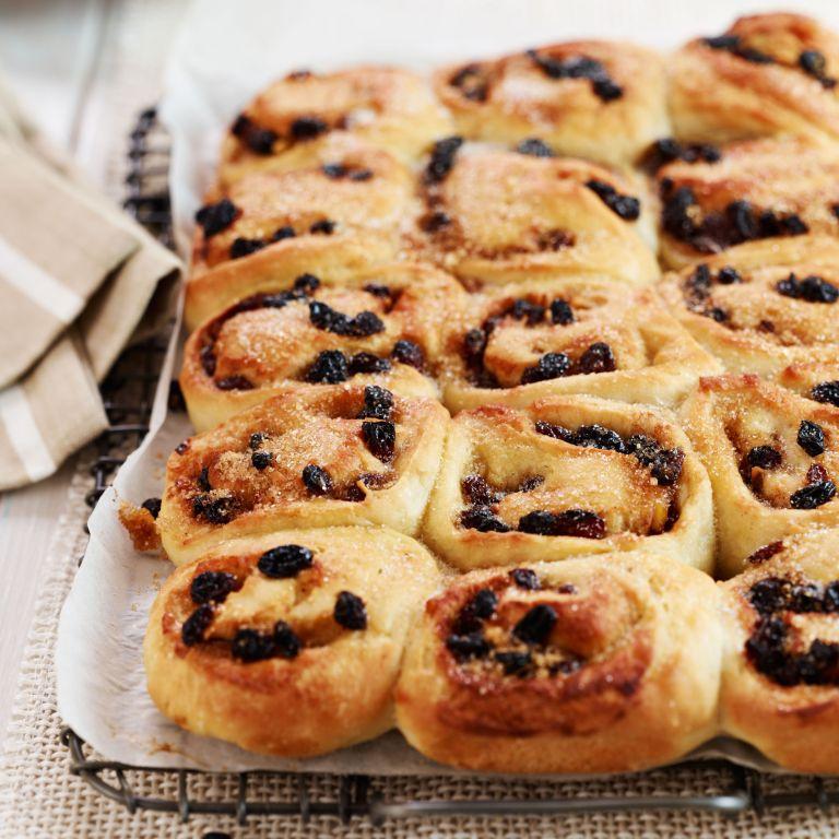 Chelsea-buns-recipe-baking-photo