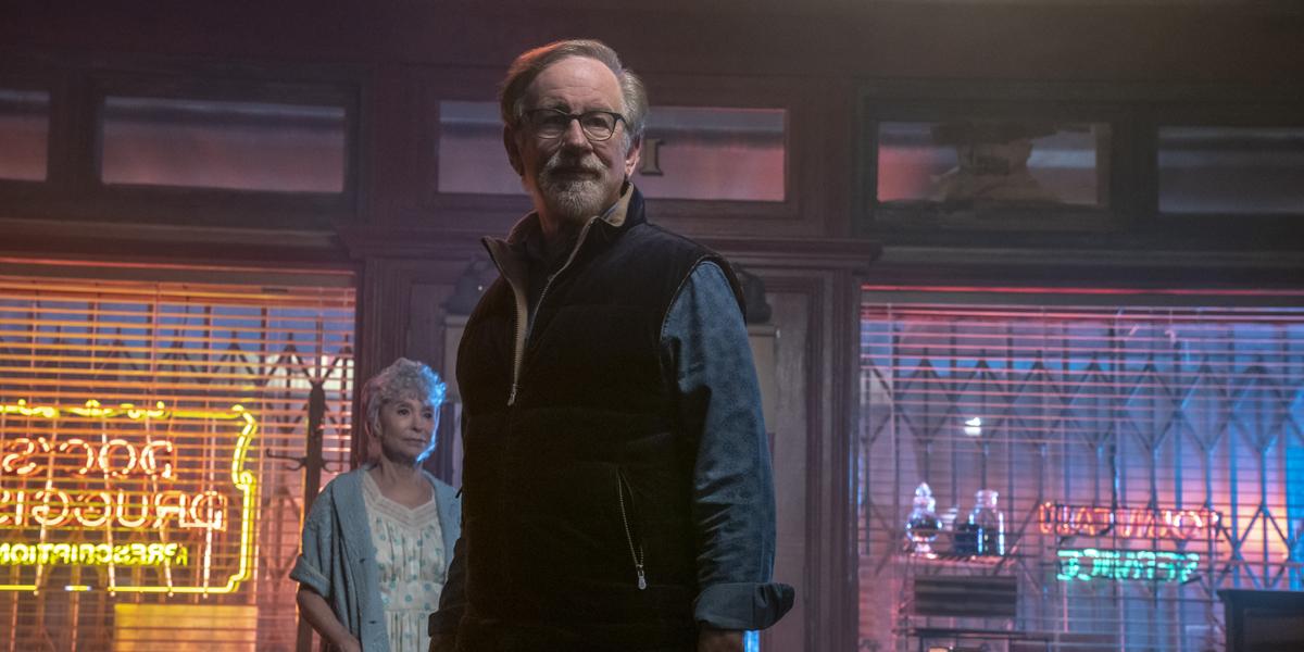 Steven Spielberg directing
