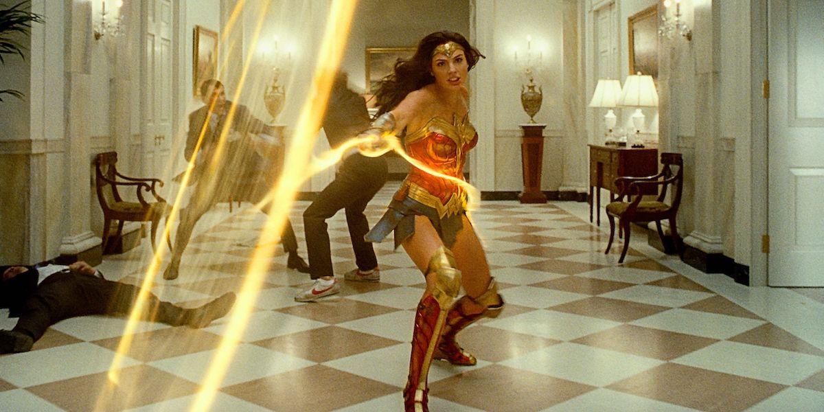 Gal Gadot as Wonder Woman in WW84 swinging lasso