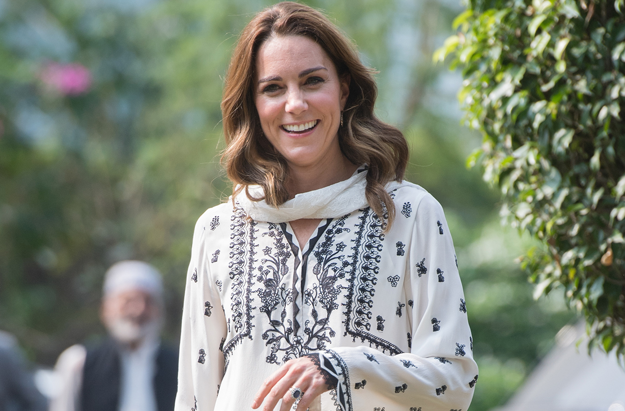 Duchess of Cambridge wows fans with floral spring dress in unearthed snaps from royal tour