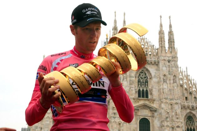 Ryder Hesjedal and trophy, Giro d'Italia 2012, stage 21