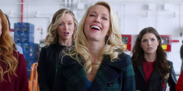 anna camp laughing in pitch perfect 3