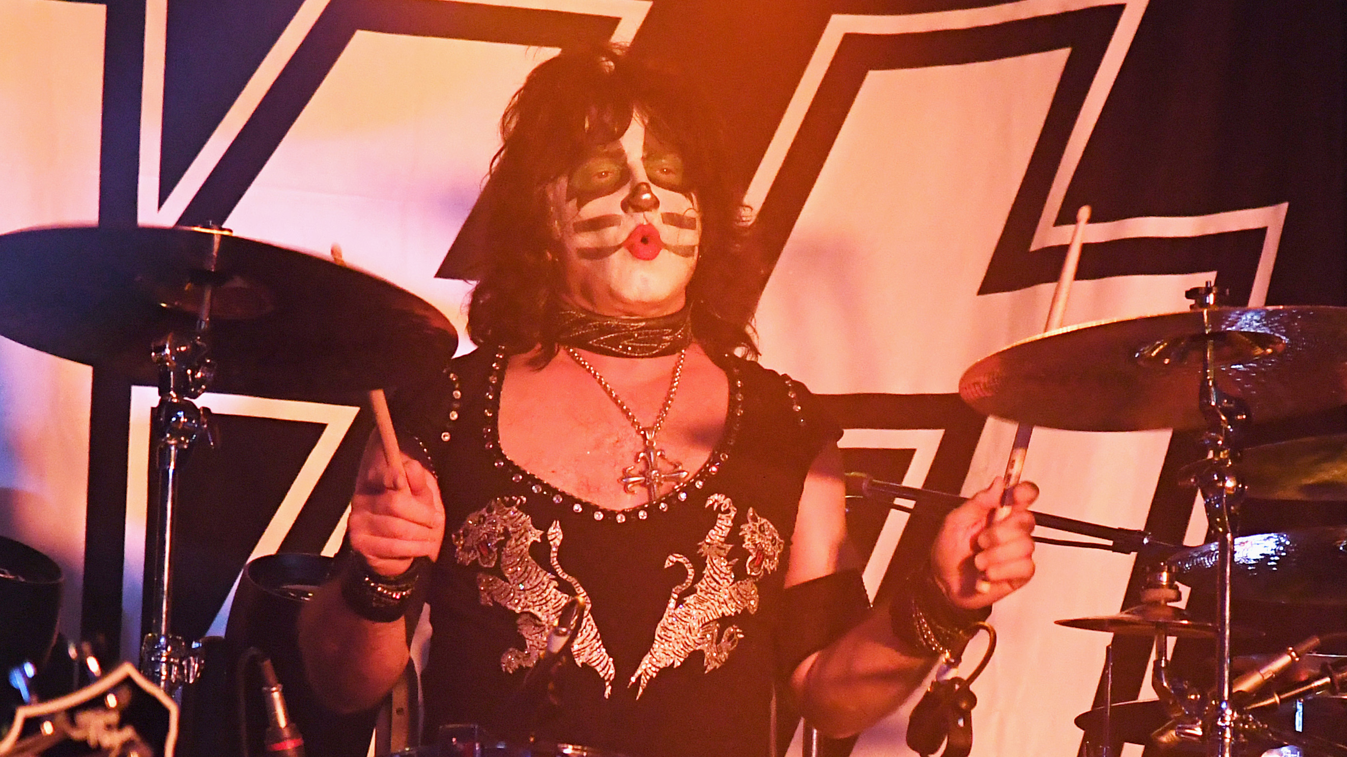"Behind the drums - KISS's Eric Singer: ""Queen were like The Beatles"
